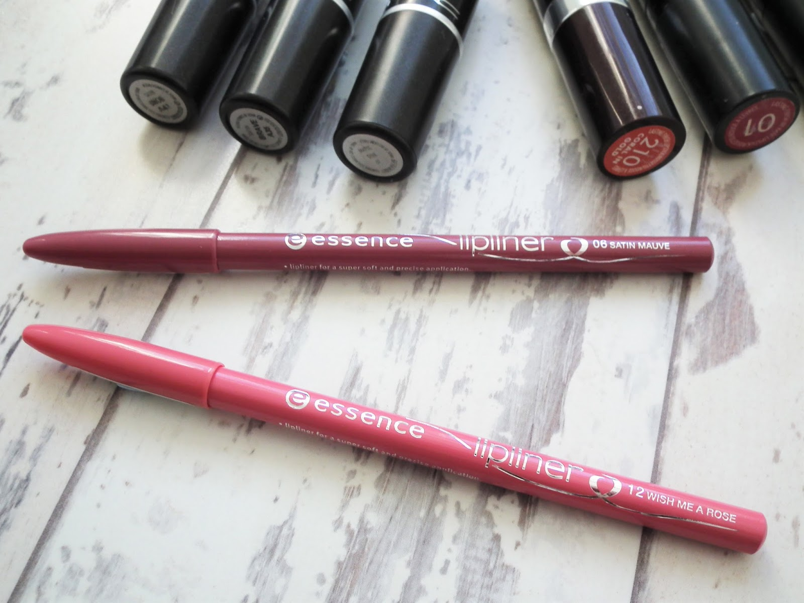£1 Lip Liners Essence