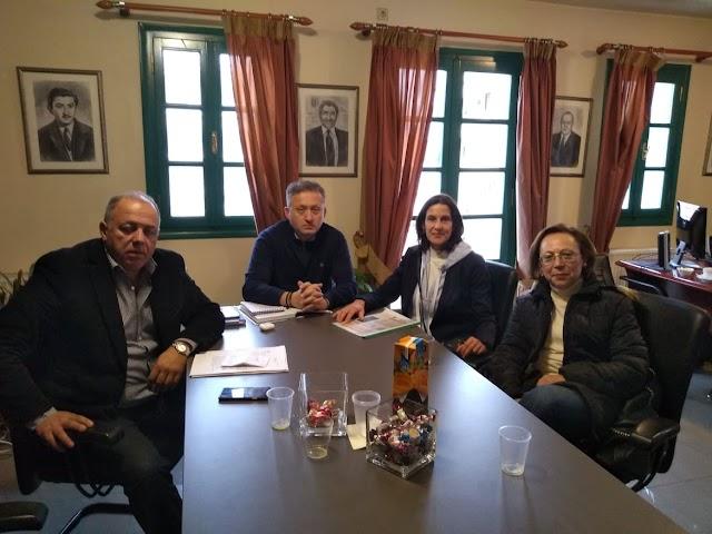 Συνάντηση του Φιλοζωικού Συλλόγου Φθιώτιδας με το Δήμαρχο Μακρακώμης