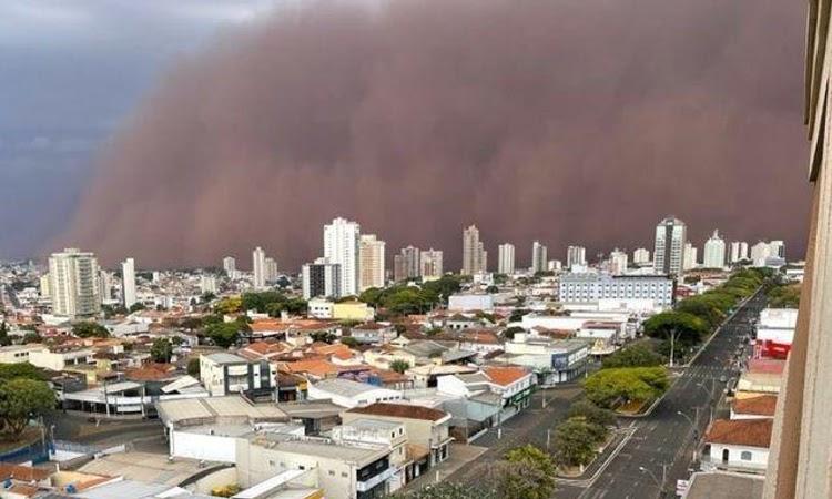 Tempestade de areia atinge cidades do interior de São Paulo