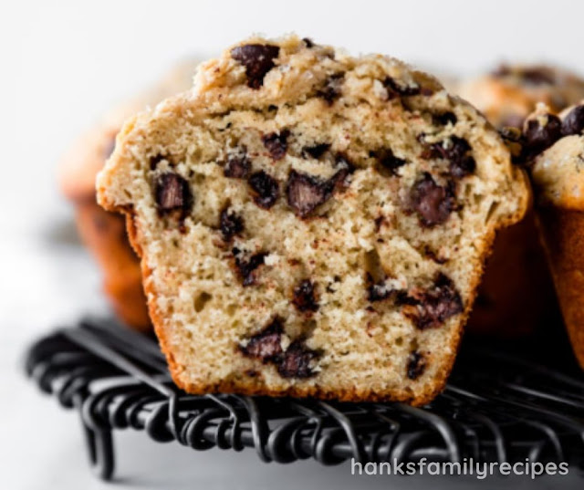 HOMEMADE BAKERY STYLE CHOCOLATE CHIP MUFFINS
