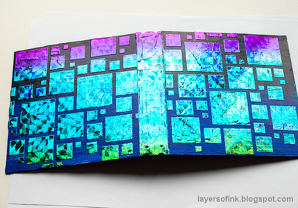 Layers of ink - Foil and Stencil Album Tutorial by Anna-Karin Evaldsson.