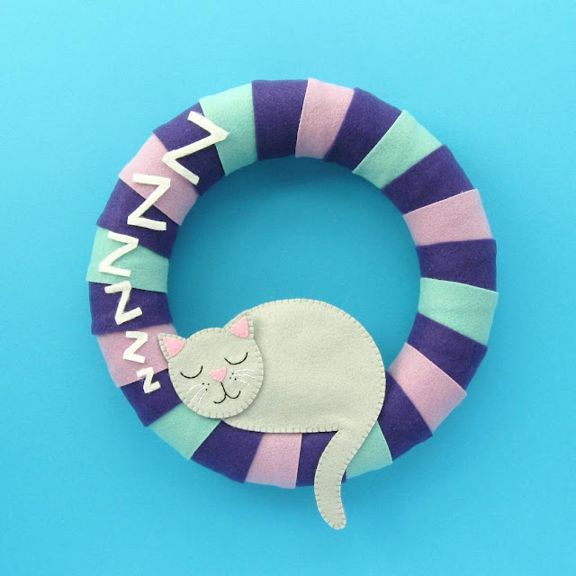 Cute Felt Cat Wreath