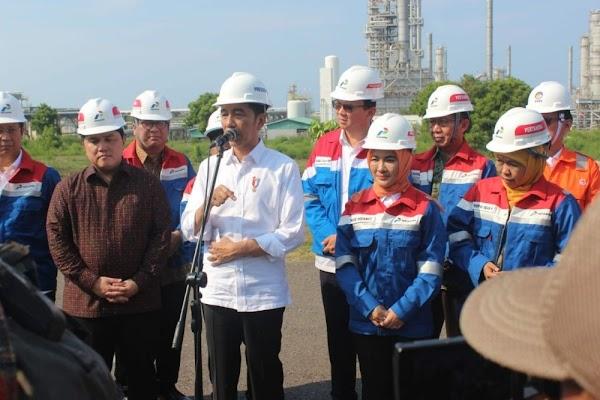 Jokowi Pecat Pejabat Pertamina Akibat Impor Pipa, Luhut: Padahal Bisa Buat di Indonesia