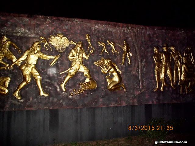 Urutan kisah makam juang mandor melalui relief