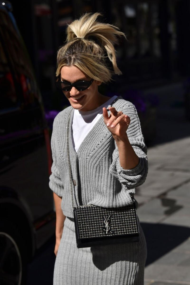 Ashley Roberts Spotted While Leaving Heart FM Radio in London 18 May -2020