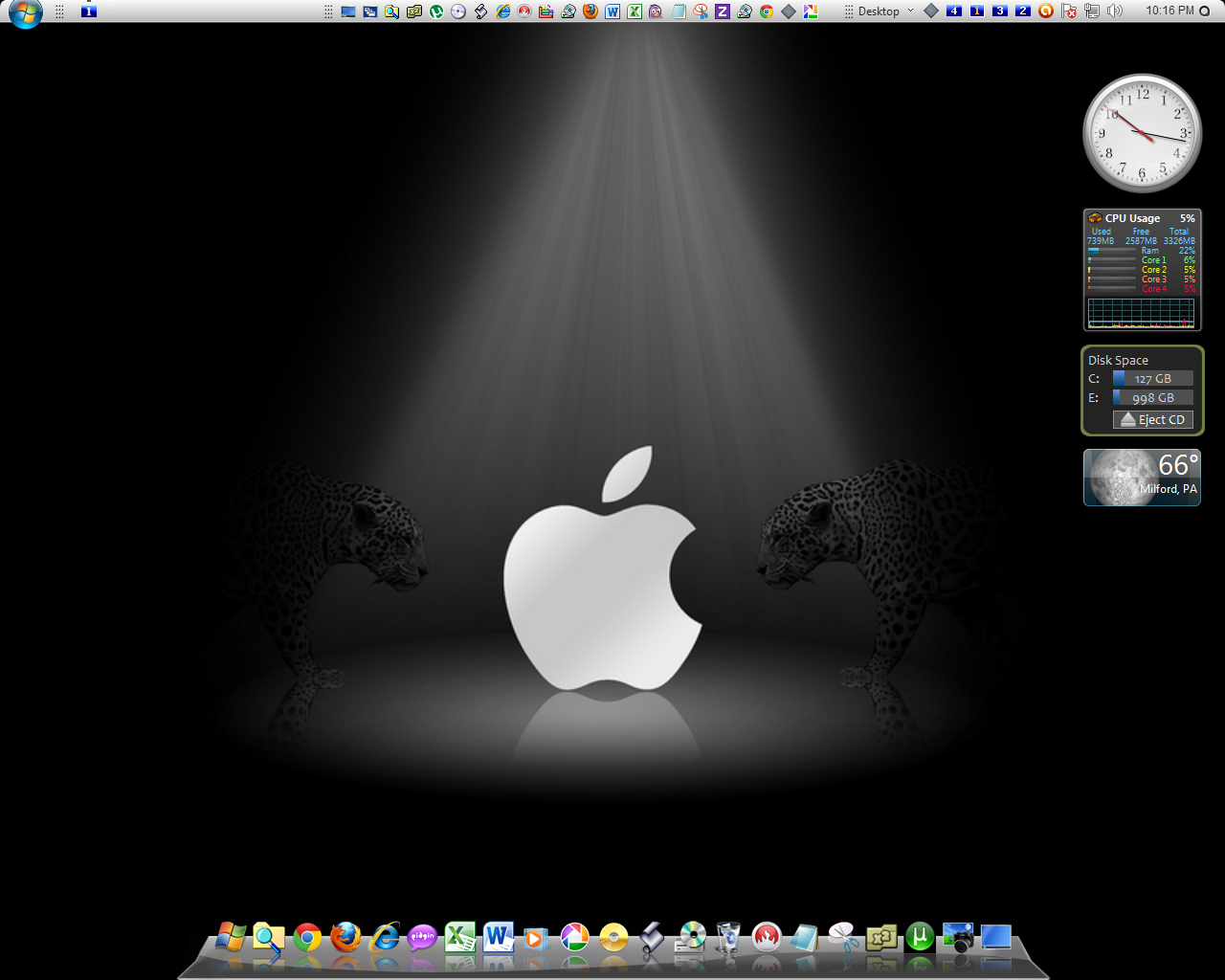 Everything Windows: August Desktop - Tribute to Apple