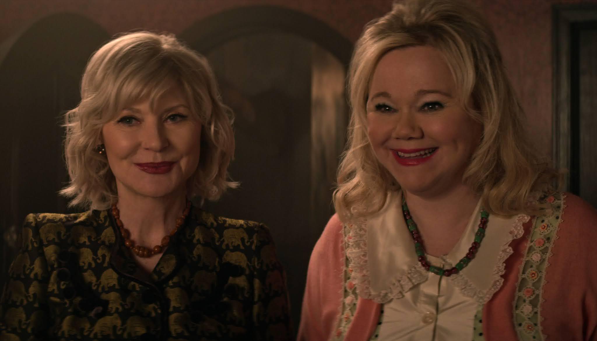 Caroline Rhea y Beth Broderick de 'Sabrina, Cosas de brujas' hacen un cameo en Chilling Adventures of Sabrina
