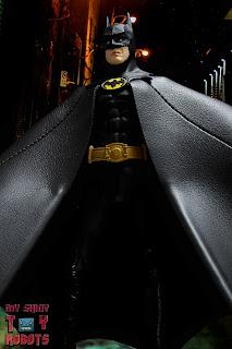 S.H. Figuarts Batman (1989) 02