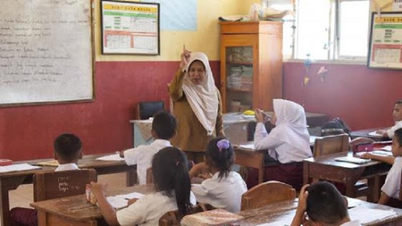 Pemerintah Harus Belajar Cara Menghargai Guru