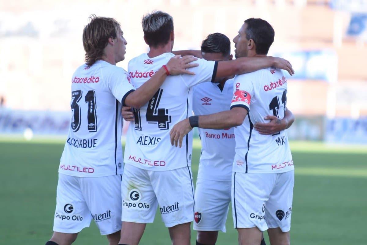 Newell's se impuso por 3-0 ante el alicaído Godoy Cruz en Mendoza