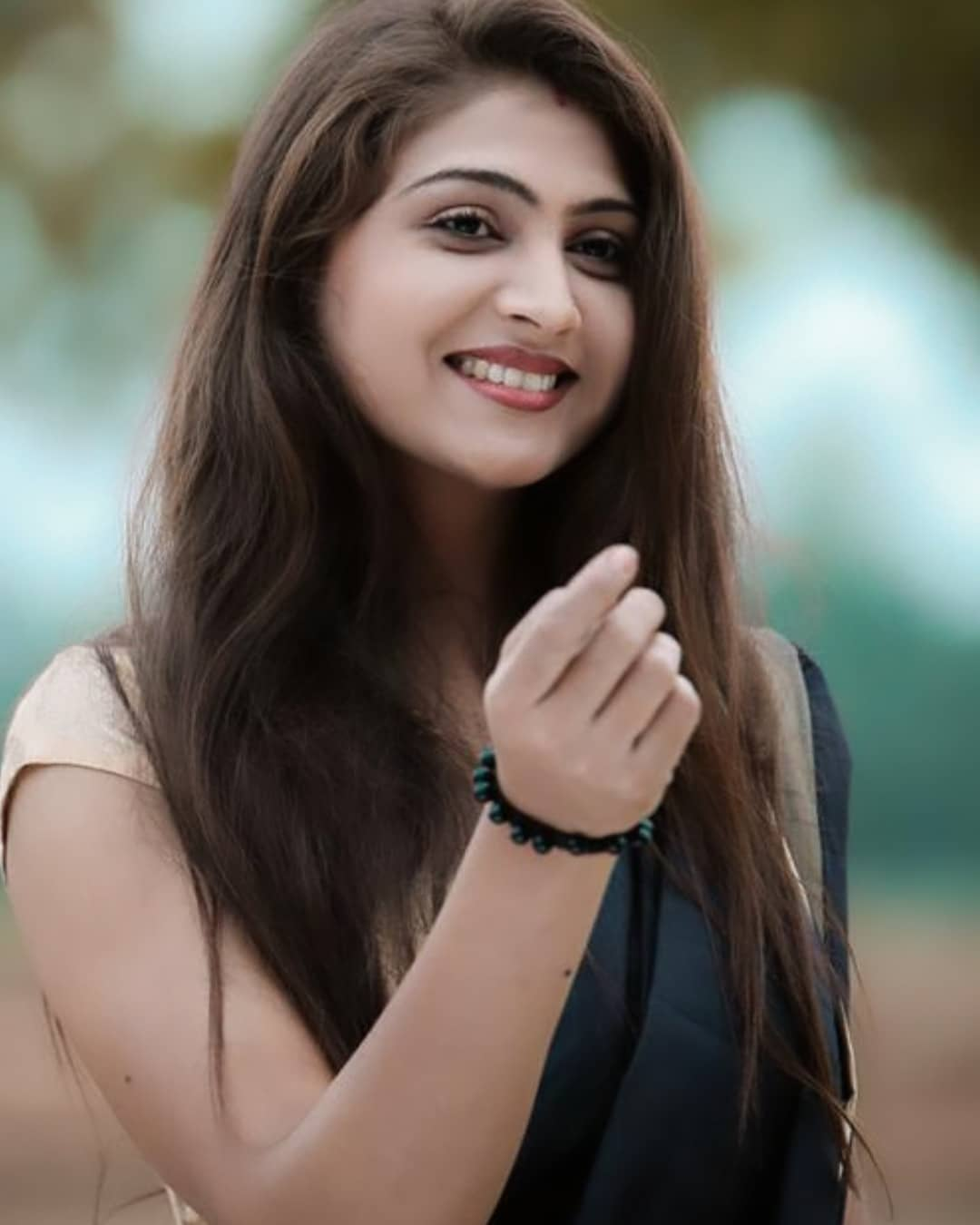Actress Hiral Radadiya (Shalini And Kamini) Instagram Hot Photos