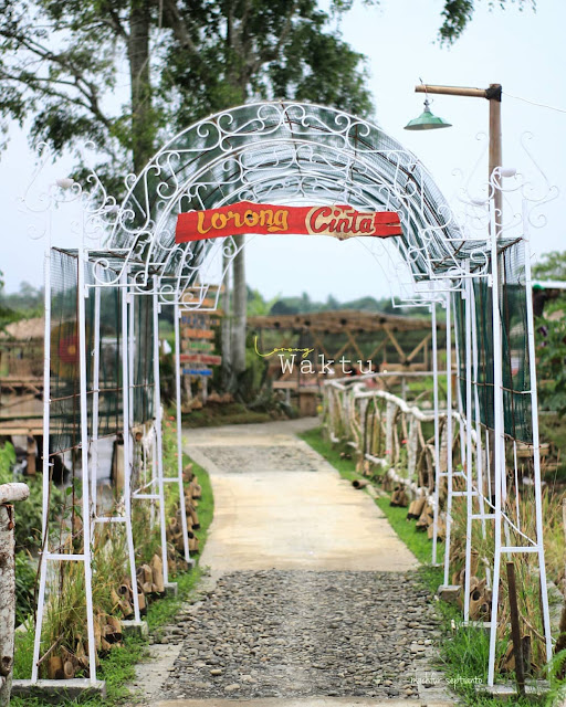 Spot Foto Taman Wisata Siton