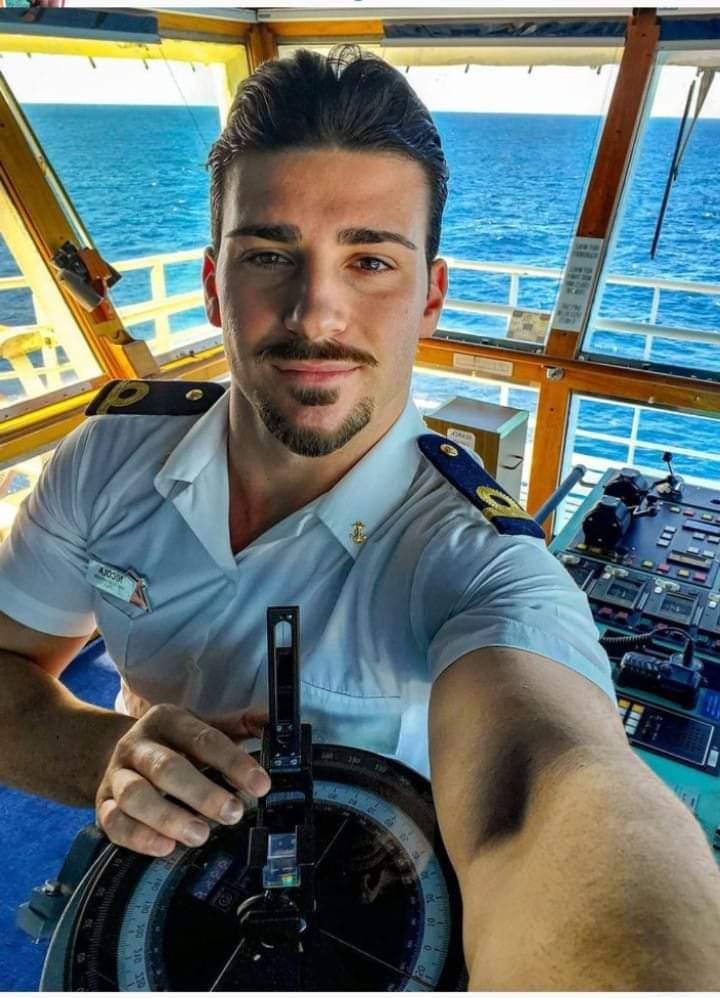 capitán sexy y rico