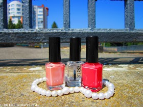 Smells Like Hell: Are You Still Using Nail Polishes?