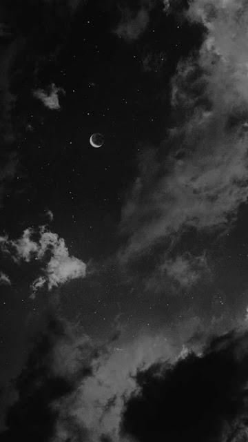 خلفية هاتف سماء وسحب ونجوم وهلال صورة ابيض واسود