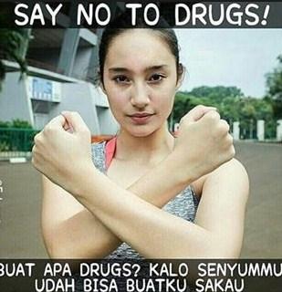gambar cewek cantik say no to drugs