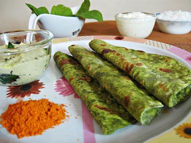 बथुए का पराठा बनाने की विधि | Bathua Paratha Recipe in Hindi