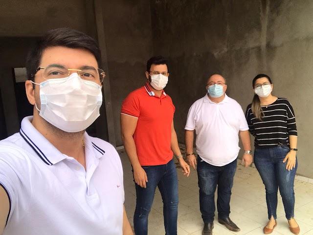 Prefeito Figueiredo visita obra e projeta abrir UBS da santa Catarina