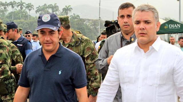 El presidente de Colombia, Iván Duque, aseguró este lunes que su país está dispuesto a empezar «un proceso ordenado» para garantizar el tránsito comercial por el principal paso fronterizo con Venezuela, que anunció hoy la reapertura de este sector cerrado desde 2015.  «Colombia está dispuesta a empezar un proceso ordenado para que podamos garantizar ese paso fronterizo. Pero voy a ser muy claro, esto no va a ser con 'chambonadas' (errores producidos por la torpeza) y ni va a ser de manera súbita», expresó Duque durante un acto de Gobierno.  La frontera fue cerrada al paso de vehículos en agosto de 2015 y la circulación de personas quedó suspendida tras la ruptura de relaciones el 23 de febrero de 2019.   EFE