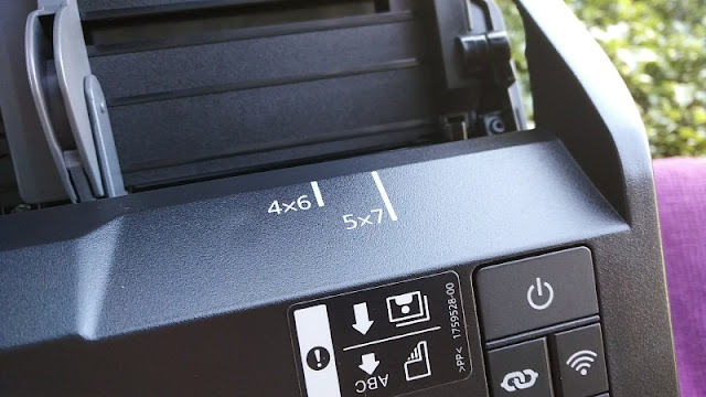 Epson FastFoto FF-680W Sheetfed Portable Wifi Scanner | Gadget Explained