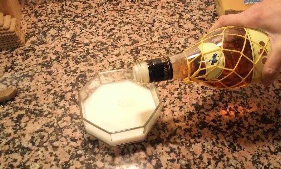 leche con azucar y coñac