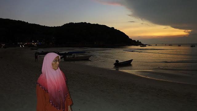Sun Rise at Long-Beach Pulau Perhentian Kecil, Terengganu, Malaysia