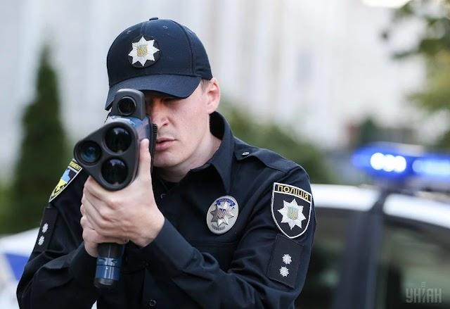 У Славутичі місцевий житель допоміг поліцейським затримати крадіїв