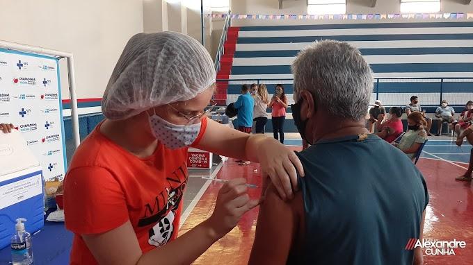 Prefeitura de Chapadinha começa vacinação contra a covid-19, para faixa etária de 40 anos ou mais.