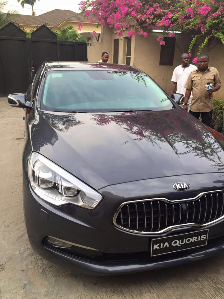 kia company delivers all its 39 made in nigeria 39 car models to senator ben murray bruce photos. Black Bedroom Furniture Sets. Home Design Ideas