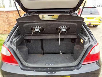 should i install 6x9 speakers or a subwoofer in my car how to install car audio systems. Black Bedroom Furniture Sets. Home Design Ideas