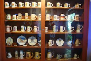 Canecos de todas as Oktoberfest no Museu da Cerveja - Blumenau