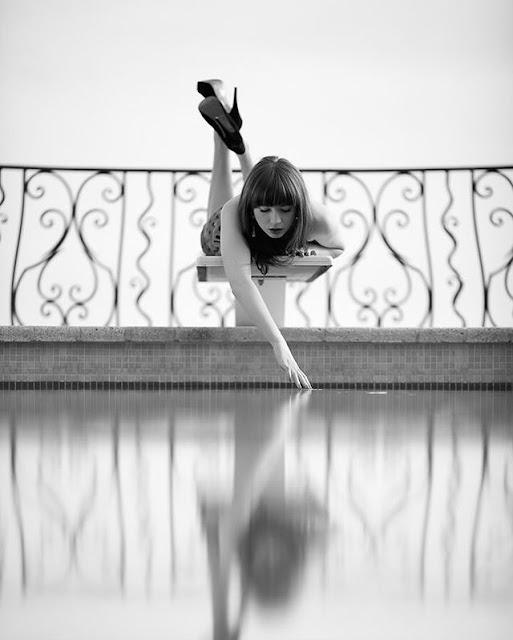 Karen Gillan Hot & Sexy pics
