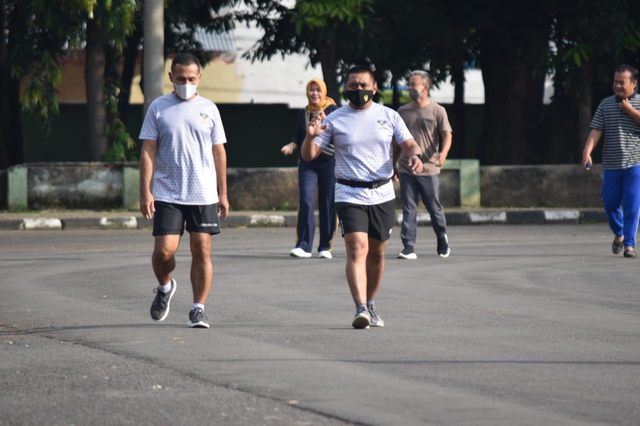 Kasrem 043/Gatam Olahraga Bersama Prajurit dan PNS Korem 043/Gatam.