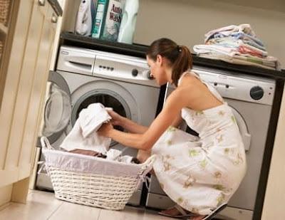 cara mencuci baju putih