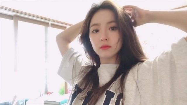 유튜브 골드 버튼을 수령한 최강 미모 여자 연예인