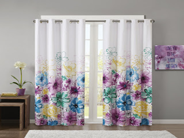 Floral curtains bringing beauty and elegance look of flower into your room or living rooms with this simple design. This floral curtains idea also gives extra dramatic scenes in your space.