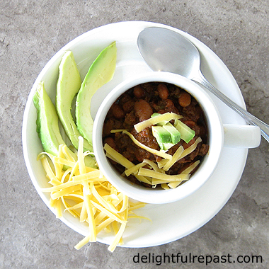 Ground Beef Chili with Beans - Instant Pot (or Not) / www.delightfulrepast.com