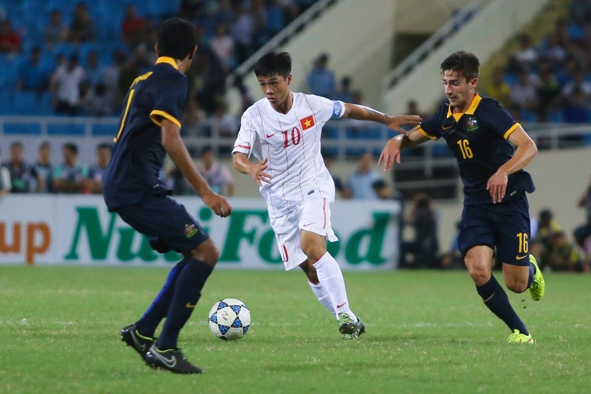 Công Phượng và màn solo đẳng cấp vượt qua các cầu thủ U19 Úc