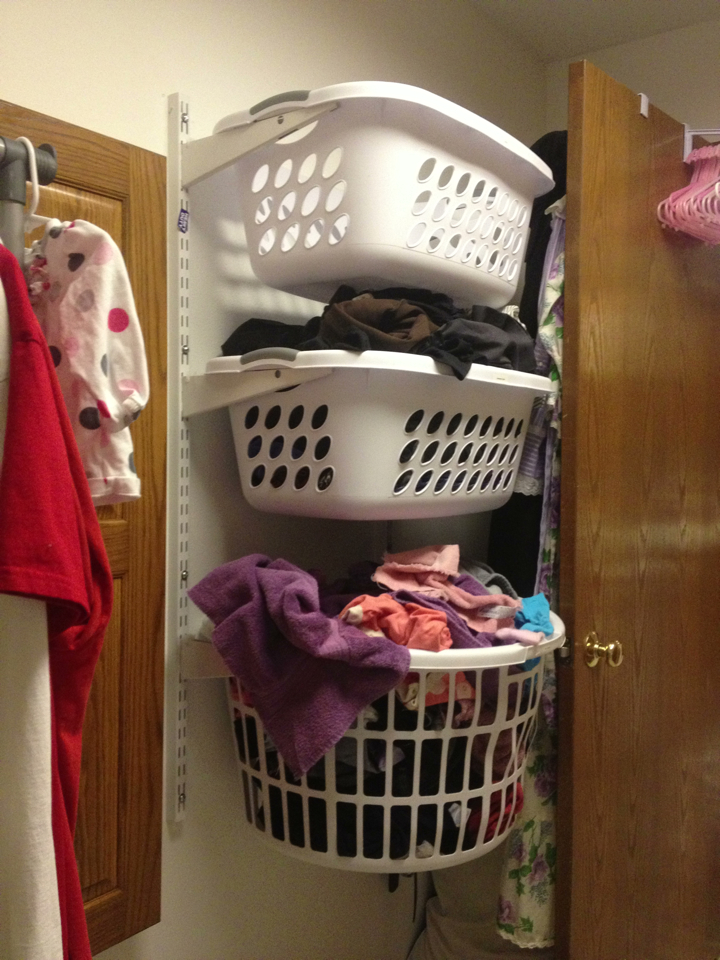 holy hornbuckles: DIY Laundry Sorter