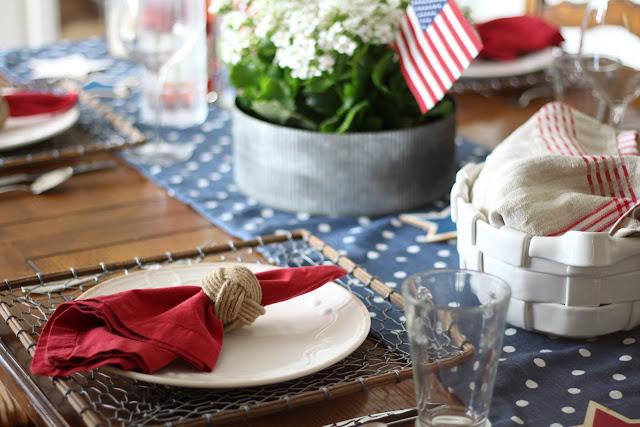 maison-de-cinq-patriotic-tablescape-7
