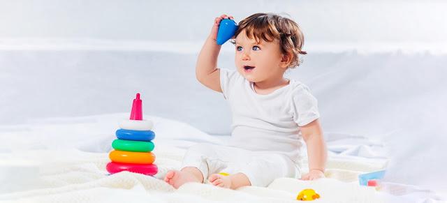 Tips Mengenalkan MPASI pada Bayi