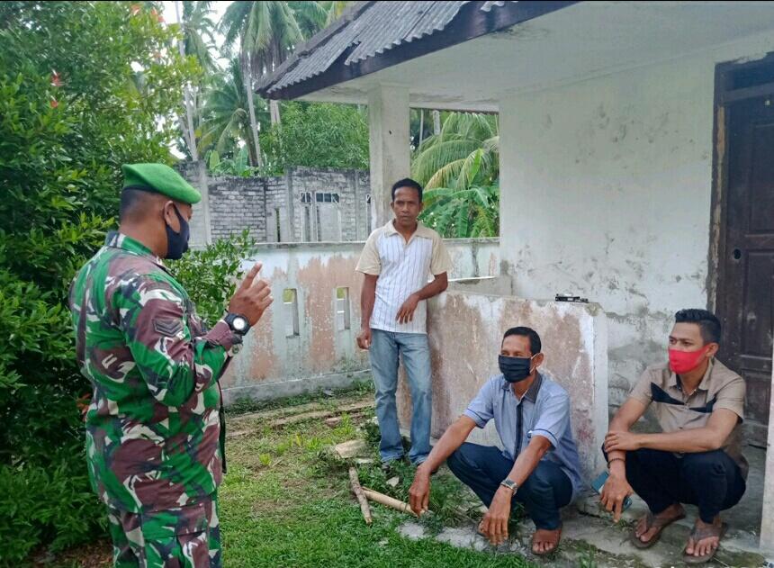 Lakukan Komsos, Babinsa Desa Tanjung Himbau Masyarakat Untuk  Menghadiri Pemilihan BPD