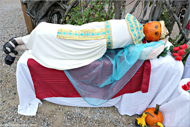 Cleopatra en el Return of the Pumpkin People de Jackson en New Hampshire