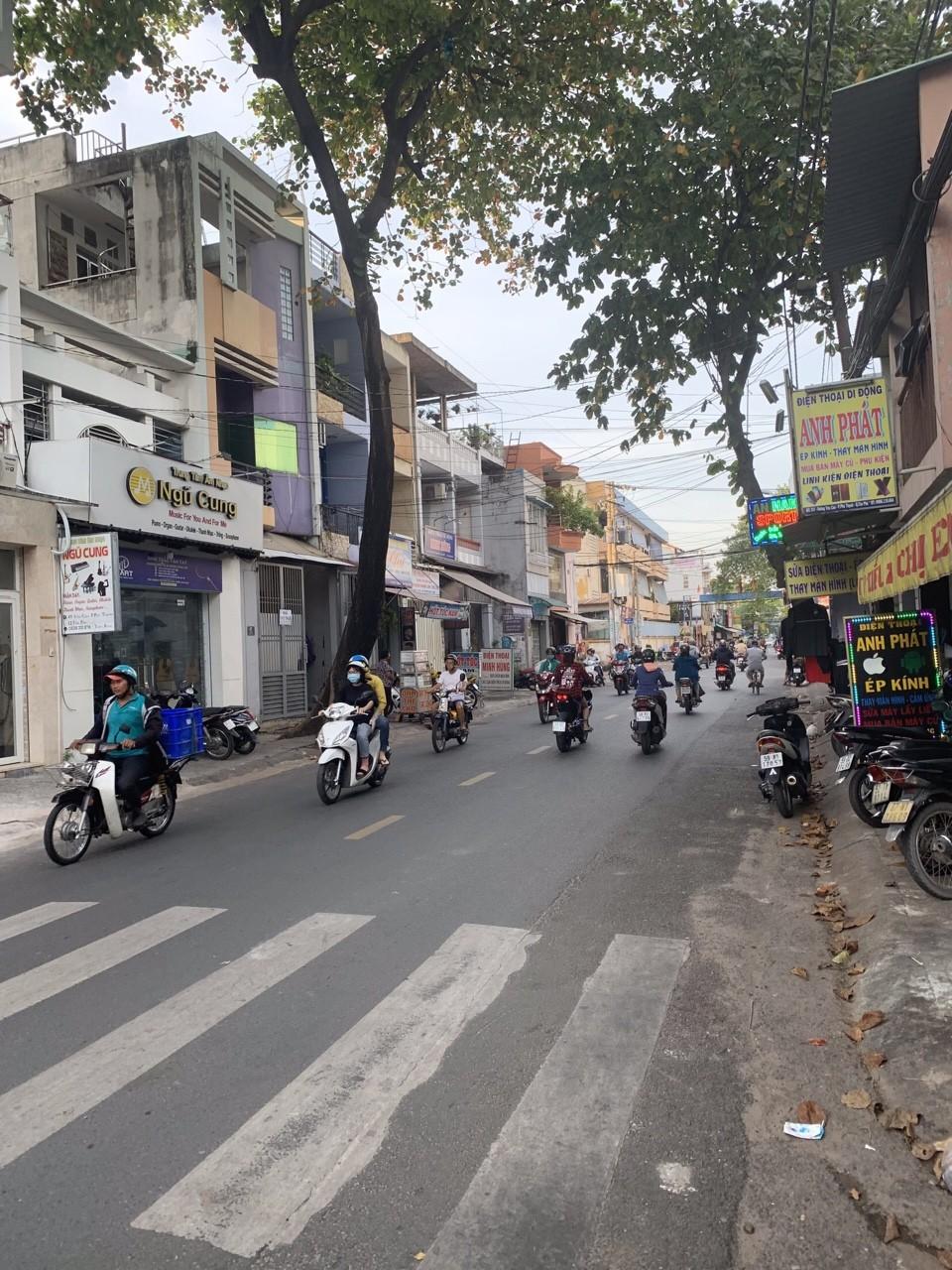 Bán nhà Mặt tiền đường Lê Sao phường Phú Thạnh quận Tân Phú. DT 3,5x14m