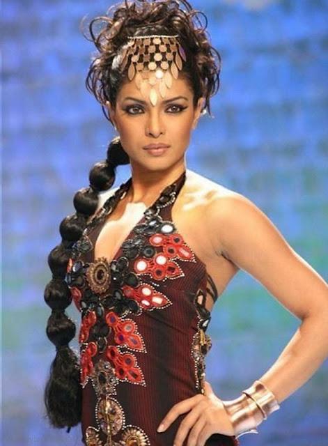 Priyanka Chopra Blonde Hairdo With a Crown