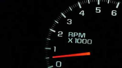 شرح كامل ما هو عداد RPM سرعة دوران المحرك وظيفته أسباب عدم استقراره ماذا يحدث عند إهماله و كيف نستخدمه بالشكل الأمثل لتوفير الوقود
