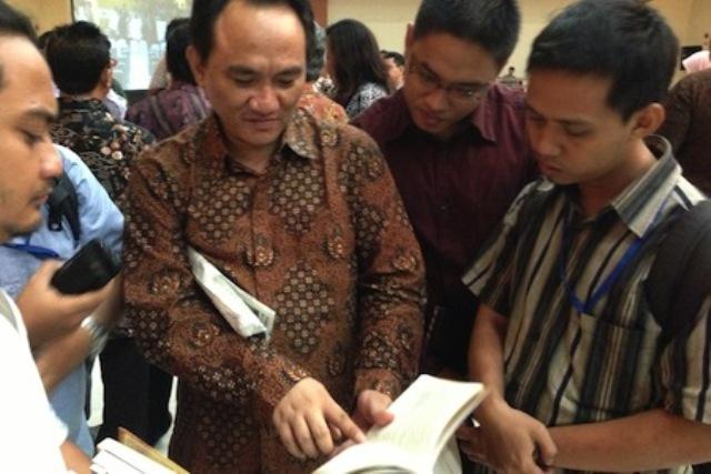 Diungkap Andi Arif, Ini Rekomendasi Konsultan ke Jokowi Soal Demo 411 : Berita Terbaru Hari Ini