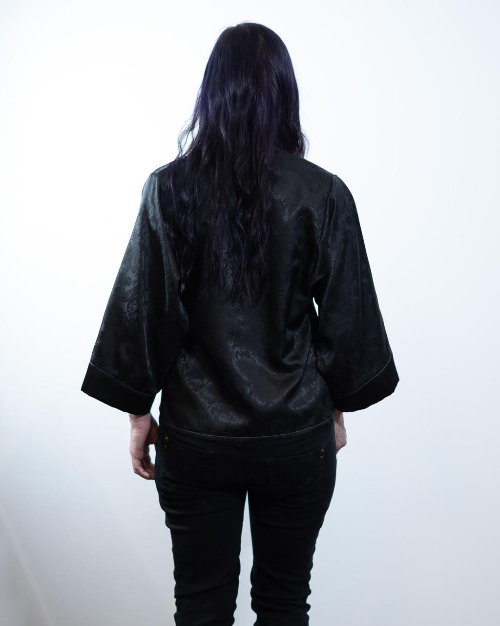 Minn's Things Suki Robe Sewing pattern Helen's Closet Hacked Short Satin Fabric Back