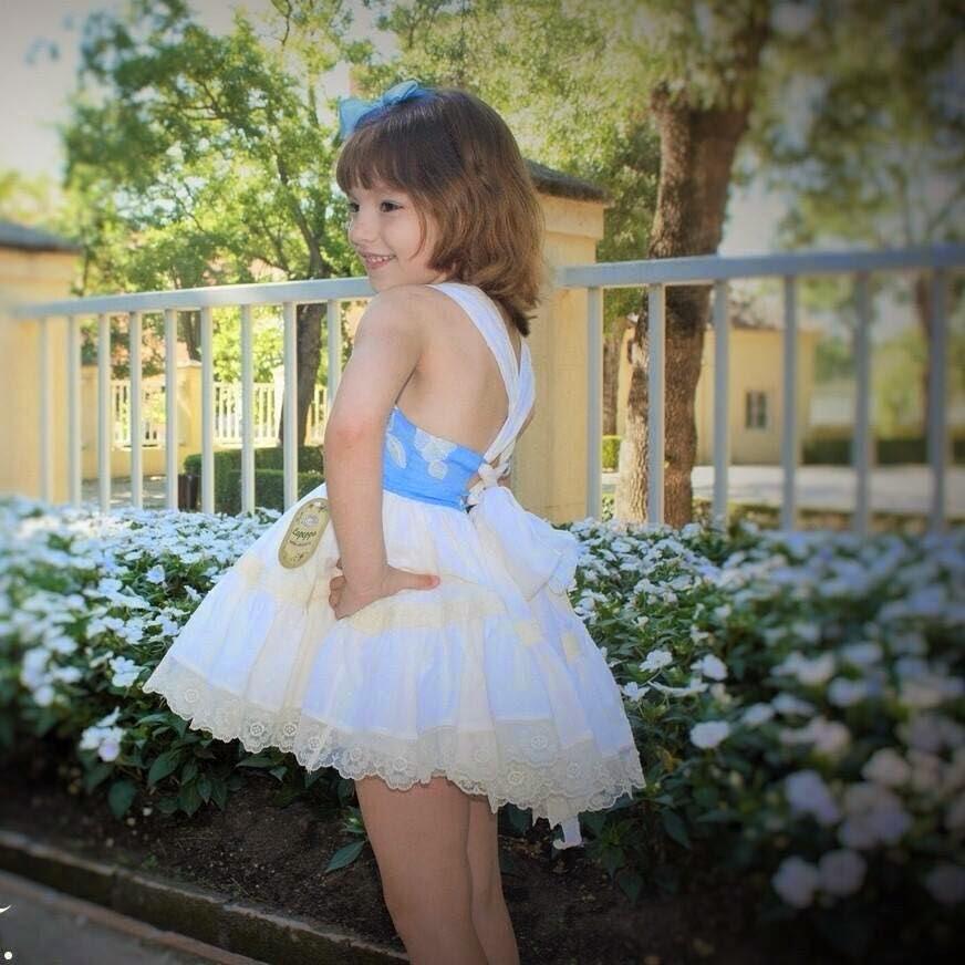 Vestido para niña con espalda descubierta de La Peppa