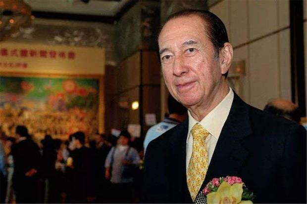 """Trùm sòng bạc Hong Kong qua đời tuổi 98, để lại """"hậu cung"""" 3 bà vợ, 14 người con và gia sản 1,5 triệu tỷ đồng"""